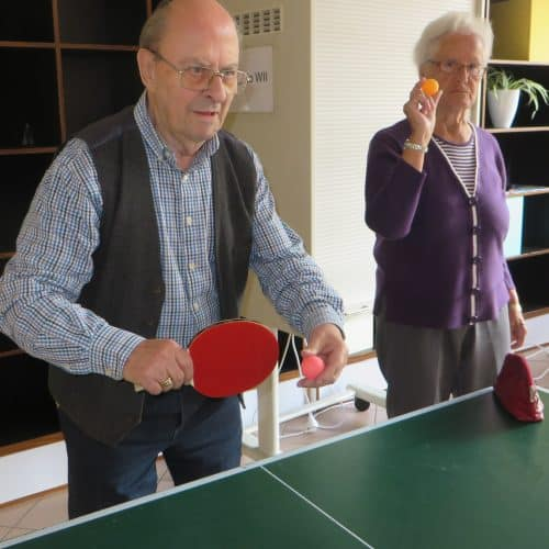 Bewohner nutzen das Angebot zu sportlichen Betätigung. Tischtennis, Kegeln als auch Nintendo Wii wurden gerne in der Mediana Seniorenresidenz angenommen.